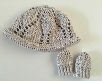 Newborn baby handmade crochet hat and mittens