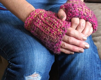 Pink Gloves / Pink Fingerless Gloves / Crochet Fingerless Gloves / Fingerless Mittens