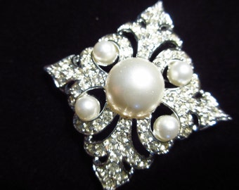 Sarah Coventry Persian Princess Pearl and Rhinestone Vintage Brooch Pin Earrings