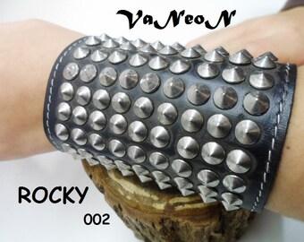 braccialetto in pelle con borchie MADE IN ITALY