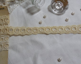 """1 Yard Vintage Cream Soft Circle Netted Lace Trim 3/4"""""""
