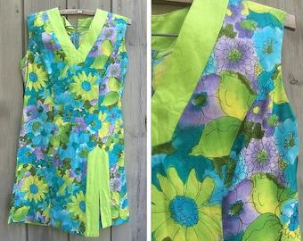 Vintage dress | 1960s vintage Kimo's Polynesian Shop tropical print mod floral shift dress