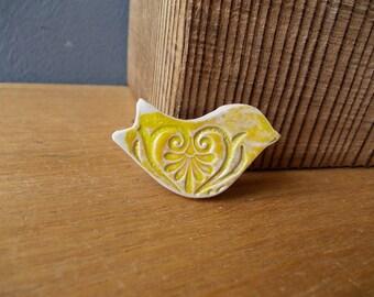 Miniature BIRD Brooch / Ceramic Heart Pin Button / Love / Family / Favor / Gift