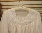 Vintage Ladies White Lace Size XL Bed Jacket Oh So Feminine