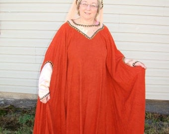 One-Size-Fits-All (really) Renaissance Style Gown Adult Woman Halloween Masquerade Faire Theater