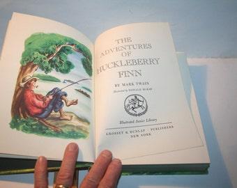 Vintage 1976 Illustrated Junior Library Mark Twain HUCKLEBERRY FINN!  Grosset & Dunlap Hardcover!  Donald McKay Illustrator!  Super Clean!
