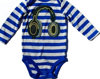 Ready To Ship//Hipster//Baby Boy// Headphones// Appliqued Bodysuit//Size 6 Months