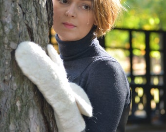 Snow White - OAAK wet felt mittens from organic merino wool and silk fibres - soft and warm for winter - ready to ship