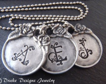 Vintage style initial necklace for mom jewelry personalized Mother's Day gift