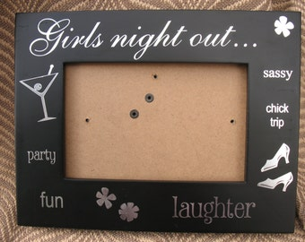 """Sixtrees """"Girls Night Out"""" vintage picture frame"""