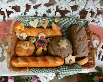 Bread Pastry Basket, Wicker - Hand Made -Breads, Cookies - Vintage - Fabulous!