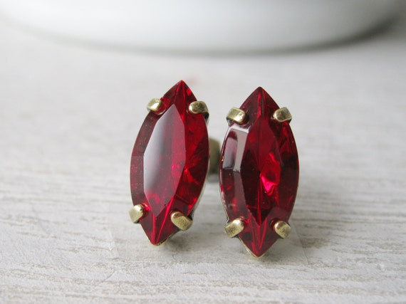 Red Rhinestone Stud Earrings Bridesmaid Jewelry Red Wedding Jewelry Old Hollywood Classic Stud Earrings Vintage Style Antiqued Brass
