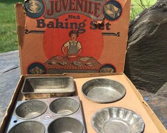 1930s Juvenile No. 2 Baking Set
