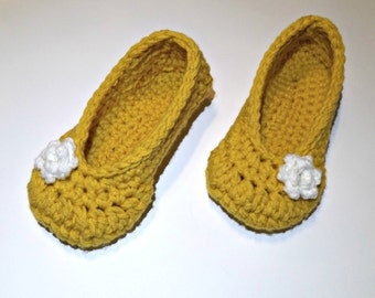 Women's rose slippers size small Great Valentine's Day Gift crochet slippers yellow and white