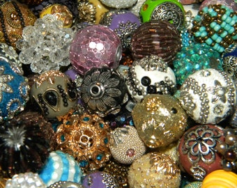 NEW 10/pcs BOHO/Elite MIX Jesse James Loose beads  Random Mix Bag of different Colors, sizes & shapes