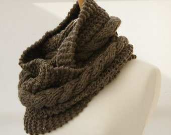 Chunky Knit Taupe cable infinity scarf, Knitted Taupe scarf, Chunky knit scarf, Knitted Taupe snood Ready to ship