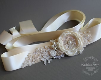Wedding dress sash belt - floral with lace - ivory and cream STYLE: Emma