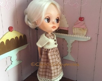 Dress and cardign for Blythe dolls.