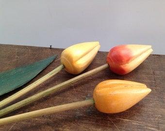 Swedish hand carved tulip Set of 3 Wooden tulip SPRING Home Garden decor Wooden flowers Handmade wood tulip