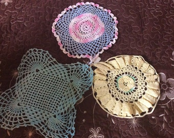 Lace doilies set of three