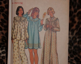 Butterick 5745 pj and night gown pattern