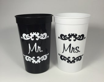Newlywed Bride and Groom Stadium Cups, Hubby and Wifey, Mr and Mrs, Gifts for the Couple, Honeymoon, Wedding Gift, Beach Wedding