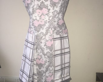 Women's apron with pink flower print