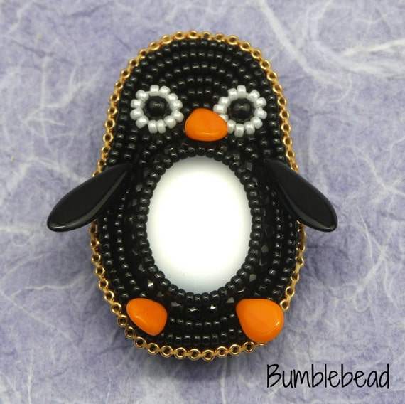 Little Penguin Brooch Tutorial - A Bead Embroidery Pattern