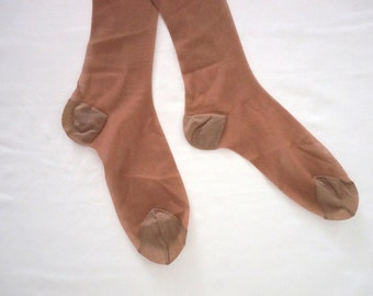 One Pair of Nylon Thigh-High Stockings in Coffee