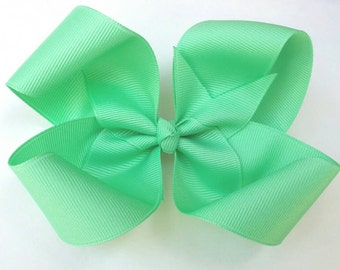 Mint green hair bow, mint bow, twisted boutique bow, light green loopy bow, solid grosgrain ribbon bow, grip alligator clip, girls hair bow