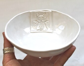 In Stock! Cat Bowl - Handmade Organic Shape Stoneware Cat Bowl in white  -  Cat bowl- Pet gift - Cute Cat Bowl- Pottery cat bowl