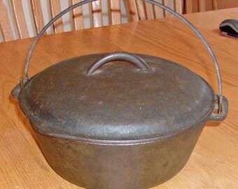 Vintage 5 Quart Cast Iron Dutch Oven