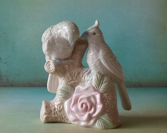 Vintage Exotic Pair of Birds Figurine Shabby Chic Shelf Sitter