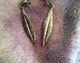 Silver tone dangle earrings 1-1/2 in