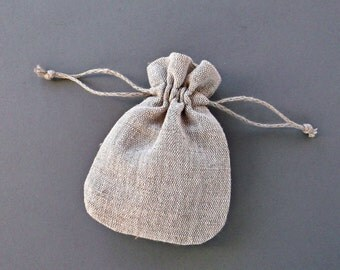 Small linen sachet bags Wedding toss bags Packaging pouches with drawstring Natural light grey fabric Jewelry storage bags 11 x 8 cm