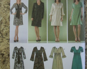 Simplicity 3622 Misses/Miss Petite (Size D5 4,6,8,10,12) and (P5 12,14,16,18,20) pullover knit and woven dresses