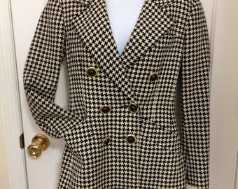 Vintage Carlisle Double Breasted Black and White Houndstooth Wool Blazer Jacket Made in British Colony of Hong Kong