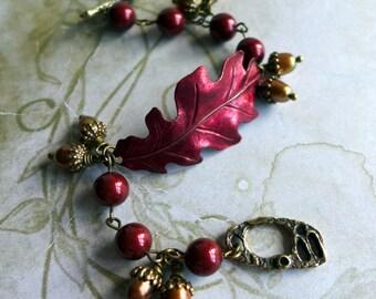 Oak Leaf Bracelet, Autumn Bracelet, Red Bracelet, Boho Bracelet, Handmade Bracelet, Vintage Style Bracelet, Acorn Bracelet