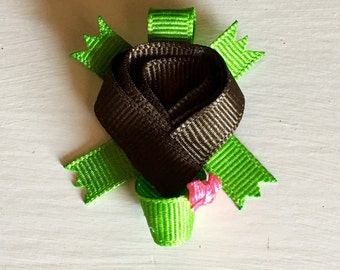 Turtle ribbon sculpture