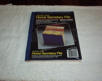 Vintage 1989 Accordian Brand HOME SECRETARY FILE (Indexed A-Z, January-December w/Home Record Titles) By Globe-Weis -New, very Rare & Handy