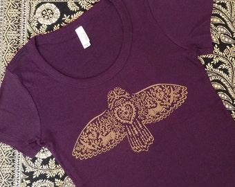 Owl Fying Plum Silkscreened Women's Tee
