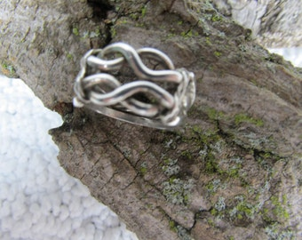 Love Knot ring Sterling Silver size 6