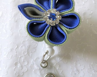 Retractable ID Holder Kanzashi Flower Round Petals