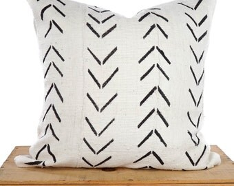 Mudcloth Pillow Cover, African Mud Cloth, Authentic Mud Cloth Pillow | Black & White | 'Maxwell'