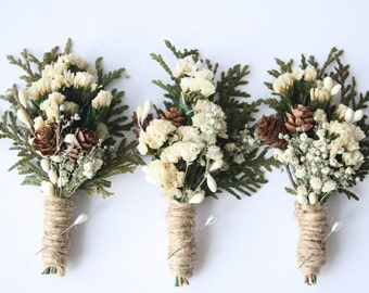 Rustic Boutonniere Winter boutonniere Woodland wedding boutonniere Groomsmen buttonhole flower pinecone boutonniere christmas wedding HOLLY