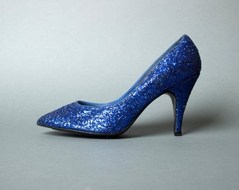 Vintage 70s Blue Glitter Stiletto Pumps | 1970s Sparkly High Heel Disco Evening Shoes (womens 7.5 38)