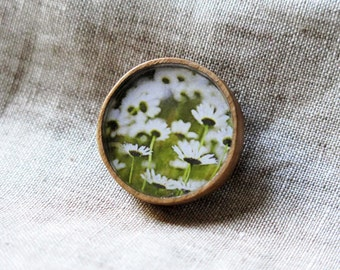 SALE - Daisies from behind (Wooden Brooch)