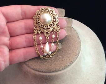 Vintage Large Dangling Faux Pearl Chains Pin