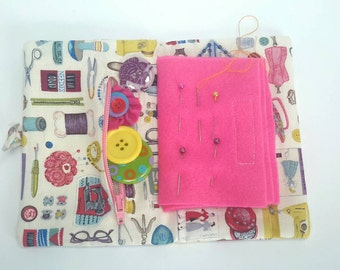 Needle case, needlebook, sewing case with zipped pocket, case for pins and needles