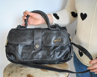 Vintage NICOL'S LEATHER handbag ......(372)